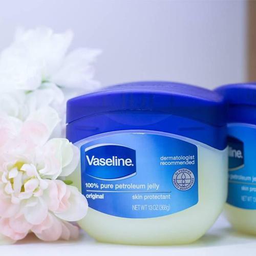 Kem dưỡng ẩm Vaseline Pure Petroleum Jelly