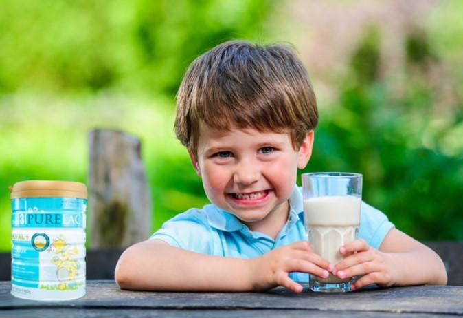 Sữa nhập khẩu nguyên hộp luôn được bảo đảm về nguồn gốc, chất lượng, thành phần...